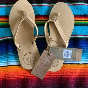 NWT Reef Chill Leather Flip Flops in Tan Sz 8